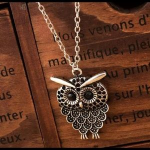 Owl pendant necklace gold and black